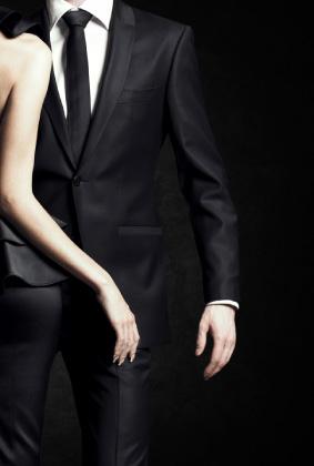 נא להתלבש בהתאם: על אנשים, מקומות ובגדים